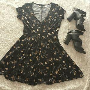 NWOT Cute nwot floral skater dress
